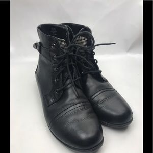 Coach and Four Black Leather Ankle Boots Sz 10 M
